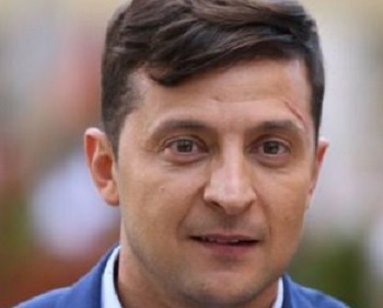 Журналист сообщил, кто сочиняет для Зеленского идеологические тексты