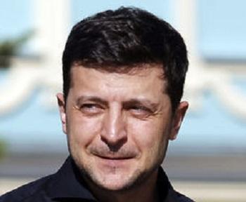 Зеленский сравнил Петра Порошенко с туристом, ворующим тапочки из отеля