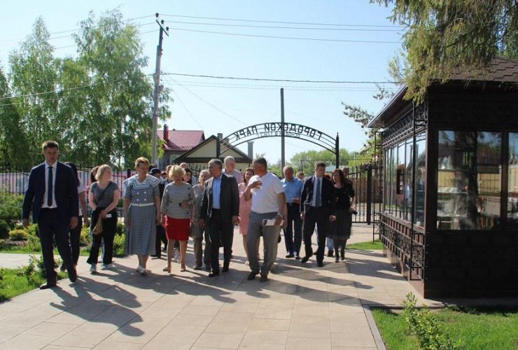 Глава Вольска пообещал пересадить деревья в городском парке