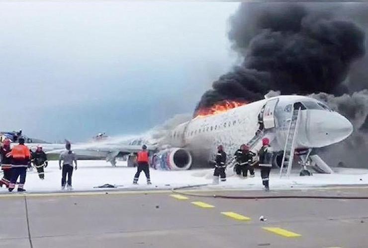 Если бы только молния. Становятся ясны ошибки экипажа сгоревшего самолета