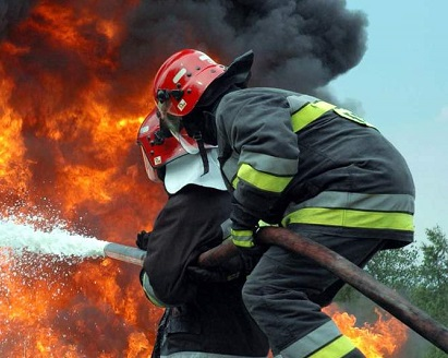В центре Киева произошел взрыв: разрушены гаражи и газопровод