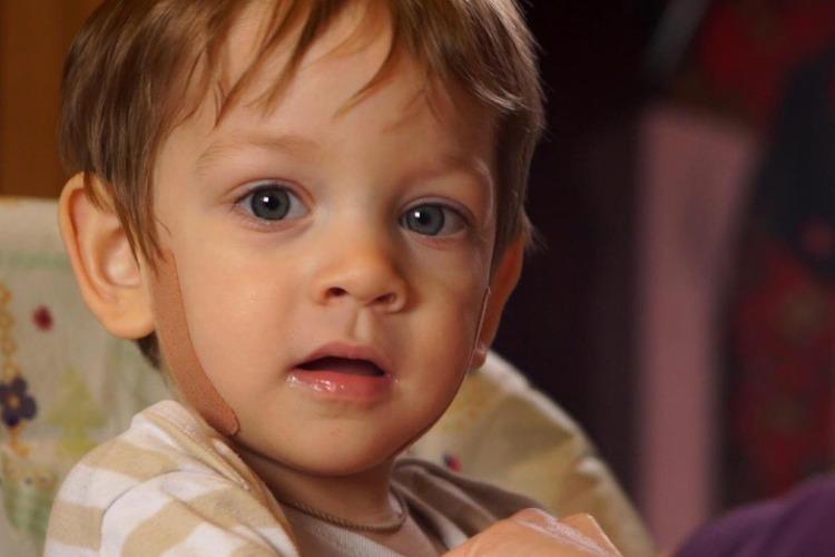 Доброму и жизнерадостному малышу нужна ваша помощь