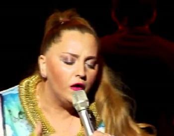 В Совфеде призвали запретить грузинской певице Катамадзе въезд в Россию