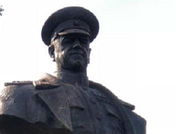 На Украине в Харькове восстановили памятник маршалу Жукову