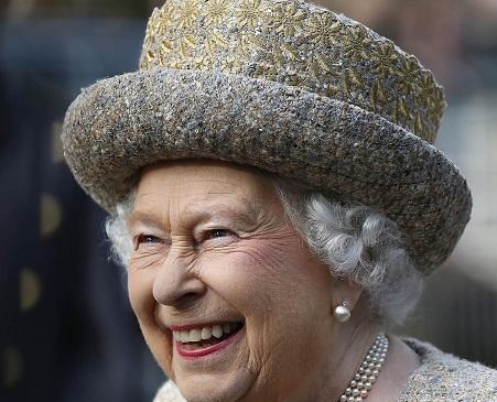 Елизавета II оказалась собственницей 4-х квартир в Москве