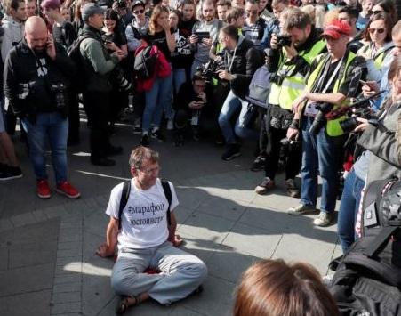 Организаторы протестов в Москве активно привлекают к акциям инвалидов