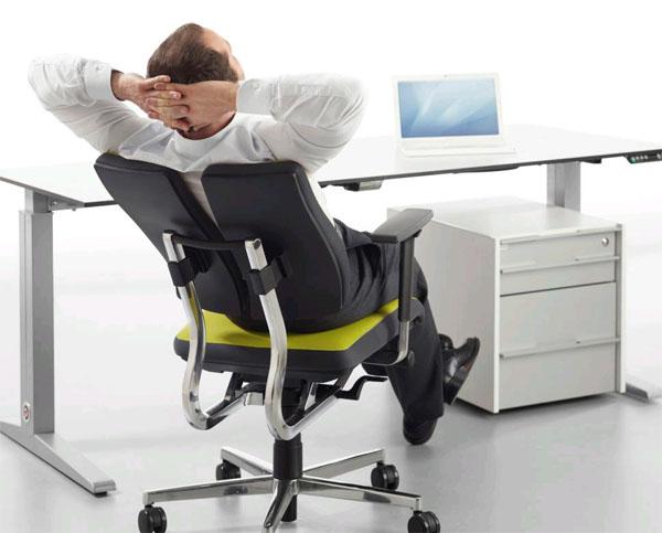 Удобные, солидные кресла для руководителей